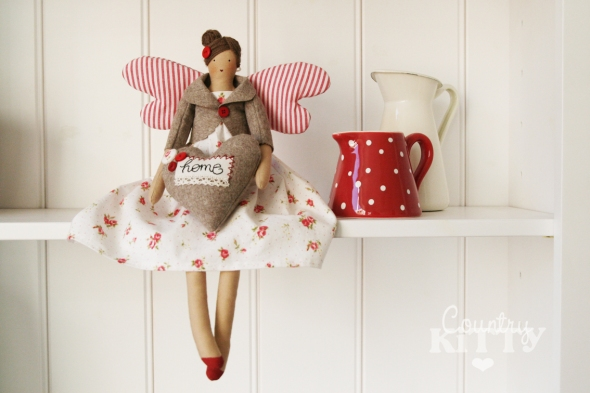 red white doll1